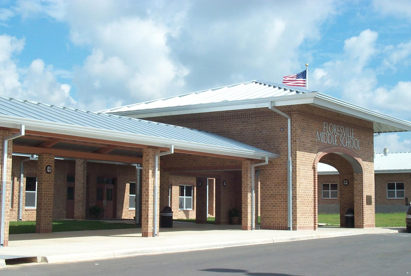 floresville-middle-school-01